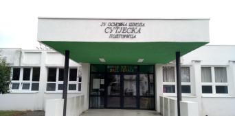 """I, II i  III  mjesto i posebna nagrada OŠ """"Sutjeska"""" na likovnom konkursu, Podgorica – grad koji volim"""